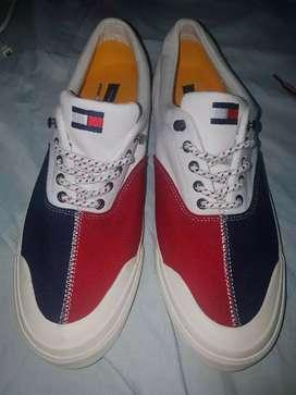 Zapatos Tommy Hilfiger talla 11 - 44 Nuevos