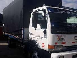 Camion NIssan año 2002 kilómetros 300 valor 11800  a toda prueba