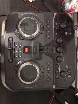 Equipo LG CON DJ Lo entrego con base movible forro proctetor control y factura