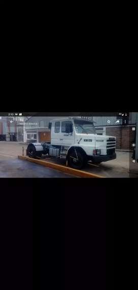Camión Scania 113 tractor