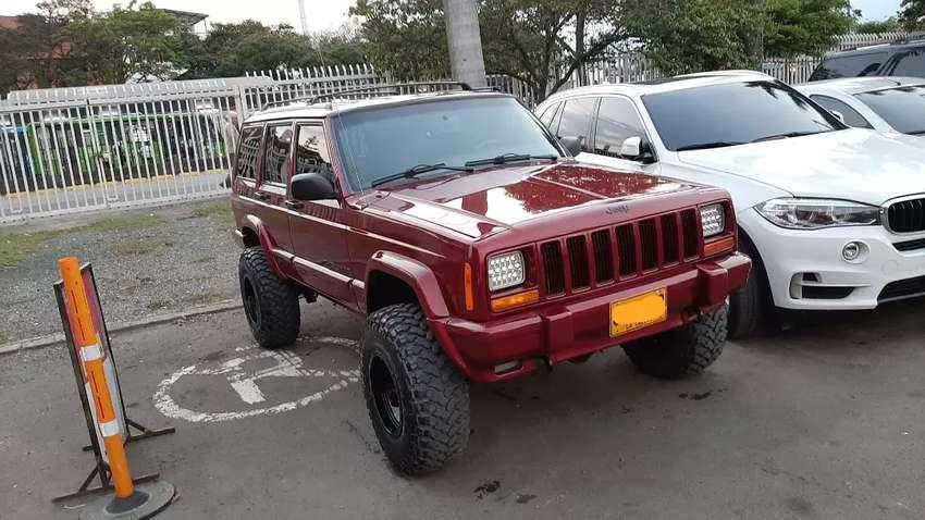 Vendo Jeep cherokee MECÁNICA 0