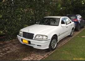 Hermoso Mercedes Benz clase C