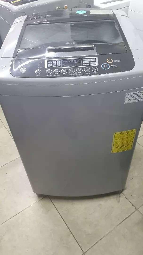 Vendo lavadora lg de 37 libras 0