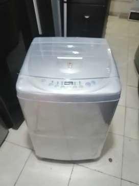 Lavadora  de 28 libras, marca LG turboDrum, transporte incluido en el casco de Medellín.