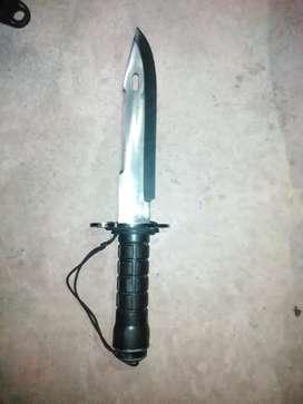 Vendo Cuchillo militar