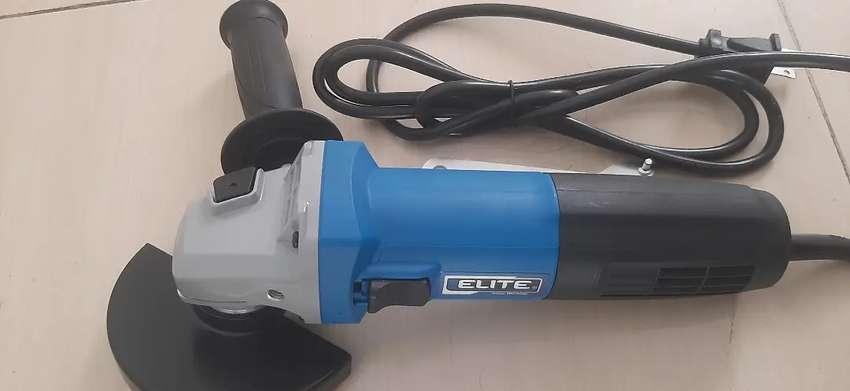 Pulidora eléctrica angular 4.1/2 pulg 11.000 RPM Elite profesional