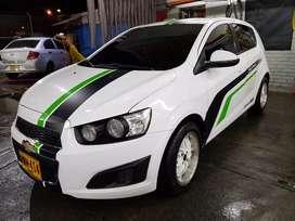 Se vende Chevrolet sonic modelo 2013