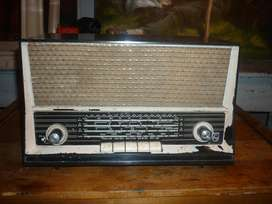 RADIO ANTIGUO DECORATIVO