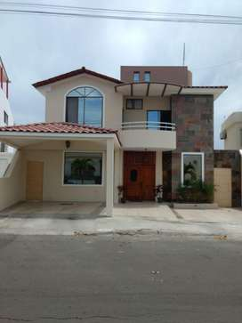 Se vende casa en Manta Beach 6 dormitorios