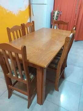 Vendo juego de sillas y mesa