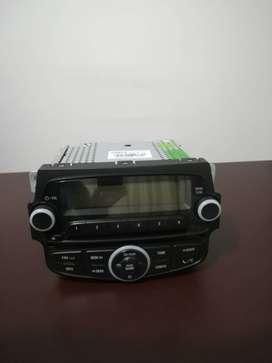 Vendo radio original Spark Gt con consola.