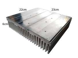 Disipador De Aluminio Grande Para Led Cobs 22x23cm Base