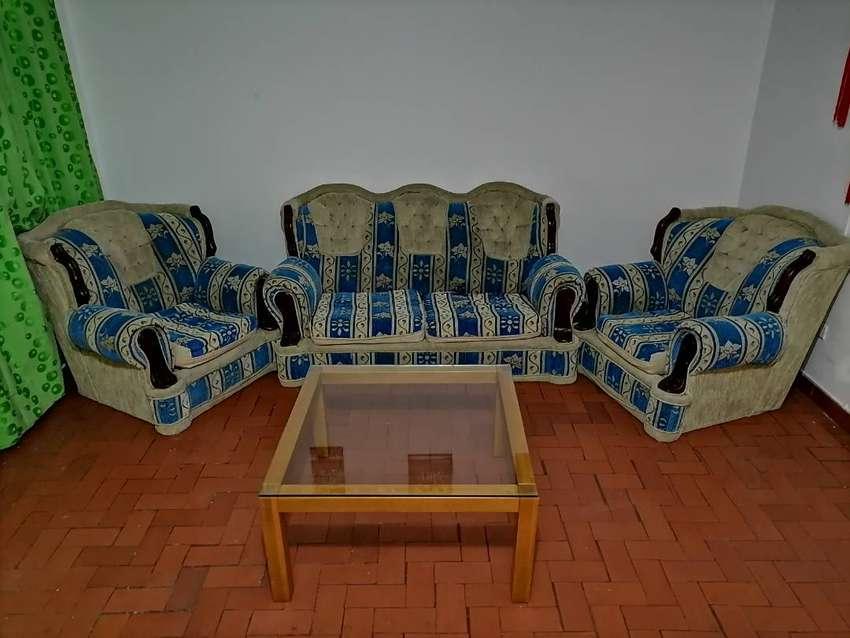 Sofá y dos sillones, juego de sala, living, sala de estar