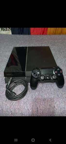 Play Station 4 500 gb con juegos y joystick!!