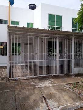 Arriendo Casa en Urb. Brasil