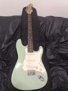 Vendo guitarra eléctrica mirrs con cable
