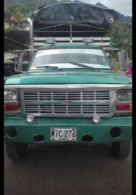 Vendo o Permuto Camioneta Dodge 300