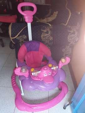 Caminador musical rosado en buen estado