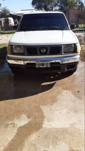 Vendo camioneta Nissan 4x2 D22