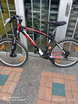 Se vende bicicleta italiana 9 velocidades frenos idraulicos