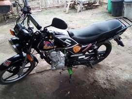 Vendo un flamante moto Suzuki Ax4 deportiva