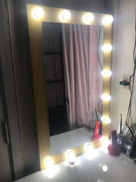 espejo de moda con luces para decoracion para negocio para moda