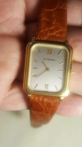 Vendo cambio  bonito  reloj  BUCHERER  de cuerda suizo