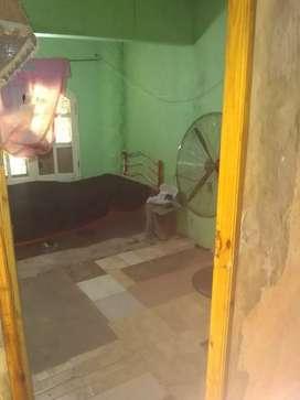 Vendo casa barrio san jorge a media cuadra de medrano 3 piezas 1 comedor 1 baño patio adelante y patio atras
