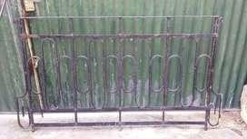 Vendo Reja Antigua de Balcón .