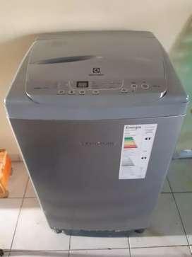 Lavaropa electrolux automatico