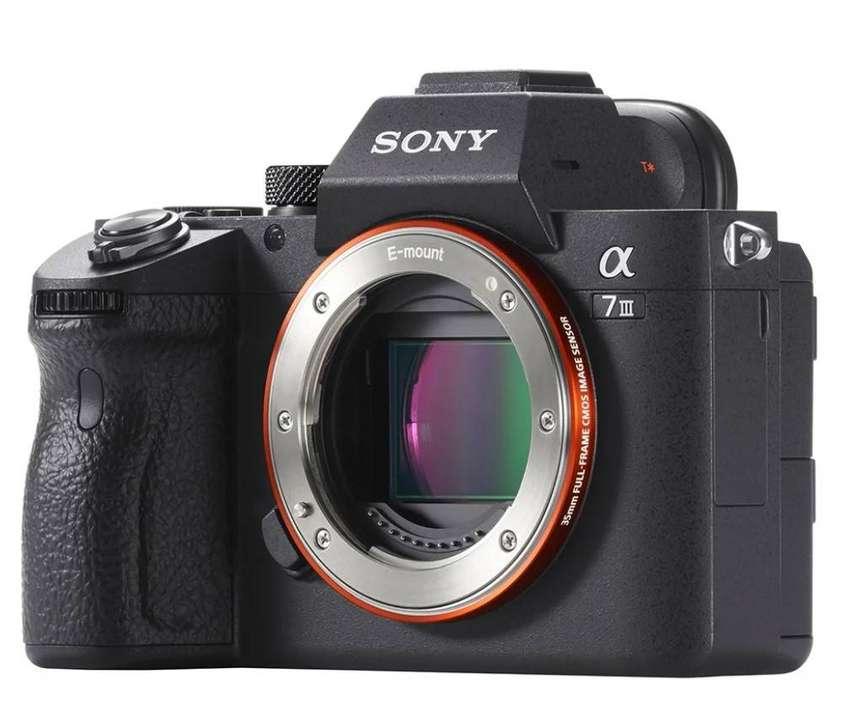 Camara Sony Alpha a7 III (Solo cuerpo)