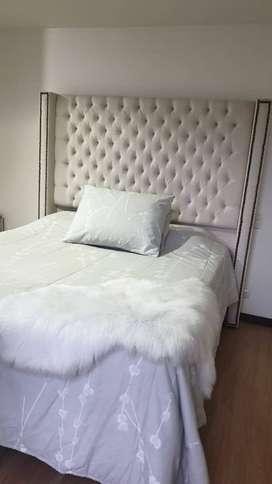 Venta de cama king mas nocheros