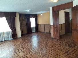 Vendo Departamento de 4 Dormitorios Kenn