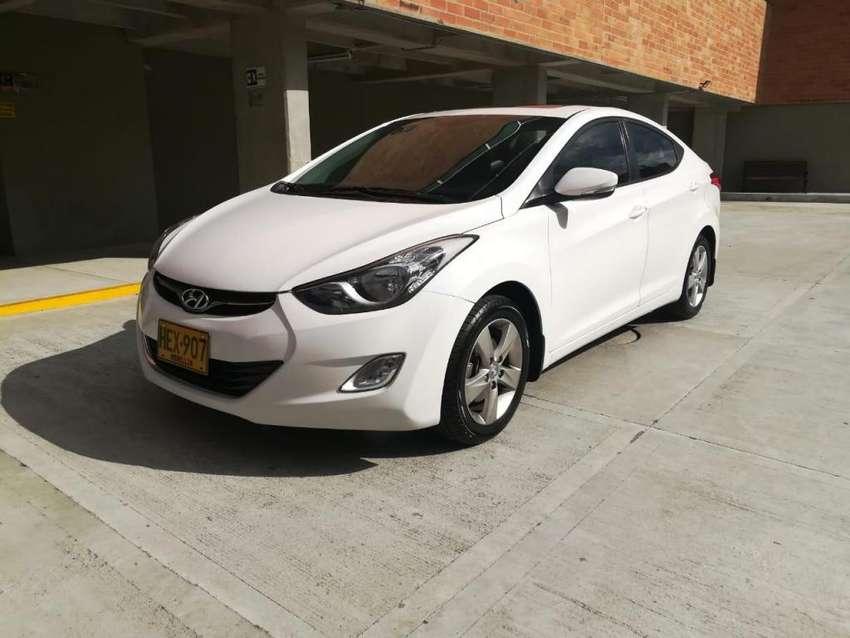 Hyundai Elantra buen precio 0