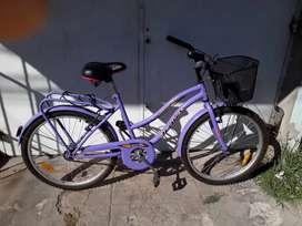 Vendo bicicleta un más de uso nuevita para mujer impecable