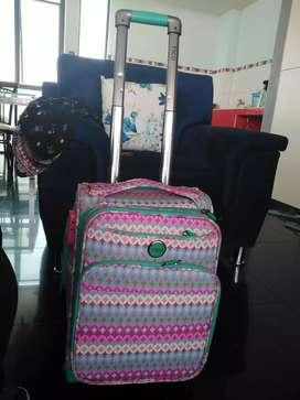 Venta 2 maletas con ruedas para colegio divertídos colores