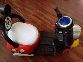 Vendo moto a batería de mickey