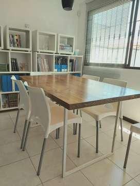 Mesa de hierro y madera + 6 sillas blancas