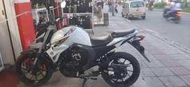 Motocicleta Fz 2.0 Blanca Yamaha 150