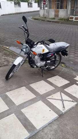 Vendo linda moto . Suzuki ax4 nueva al dia