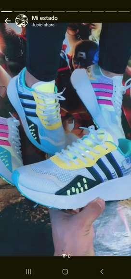 Marca Nike y Adidas