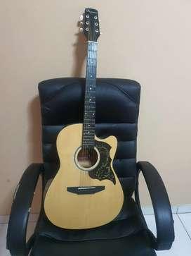 Guitarra marca Aymara