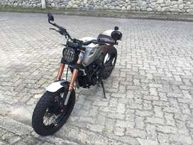 Moto DAYTONA SCRAMBLER 250 año 2018 con 3930 km