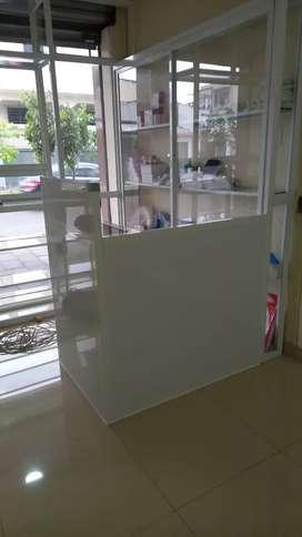 Trabajo en aluminio y vidrio