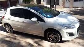 Peugeot 308 2.0 Full, color Blanco.