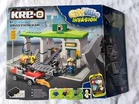 KRE-O LEGO City Ville Invasión - Service Station Scare
