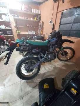 Kawasaki klr 600 muy bueno posible permuta
