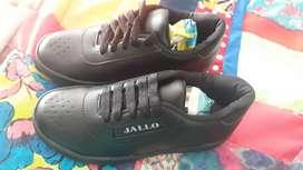 Zapato colegial negro nuevos talla 30