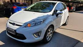 Ford Fiesta Kinetic Design 1.6 Titanium Impecable!