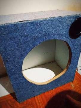 Caja para parlantes o subwoofer